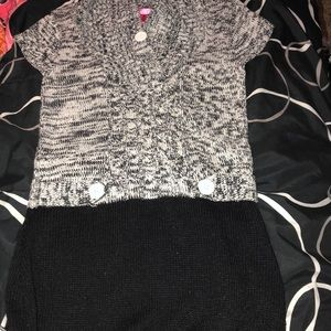 Dresses & Skirts - Black and white knitted dress